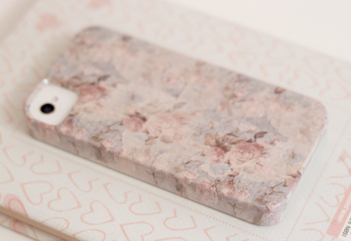 Shabby chic rose iphone case amy antoinette for Case arredate shabby chic