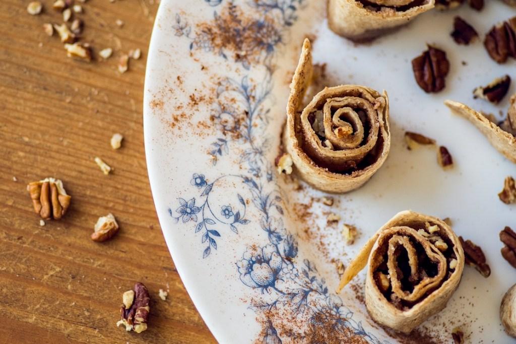 Tortilla cinnamon rolls