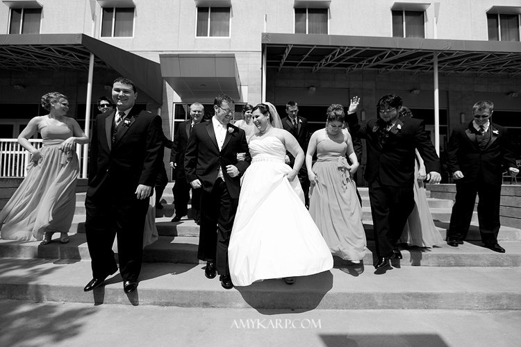 julie and mark wedding in dallas texas at reneissance hotel with pink bridal bouquet by dallas wedding photographer amy karp photography