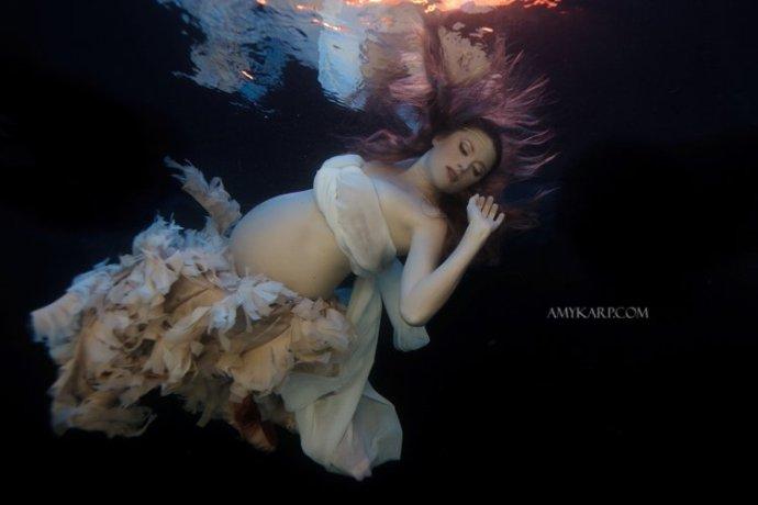underwater maternity photography by dallas wedding photographer amy karp (1)