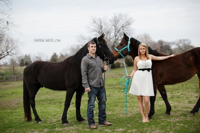 olivia and bobby's farm engagement session with a horse and chess set in ennis texas by dallas wedding photographer amy karp (18)