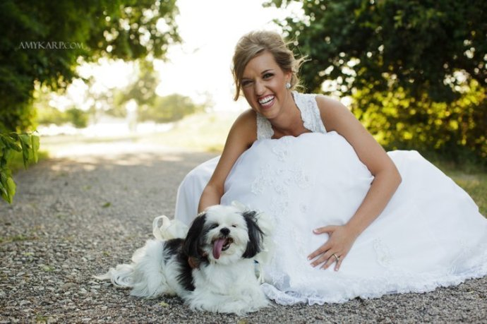 dallas wedding photographer with meredith at white rock lake bath house cultural center (6)