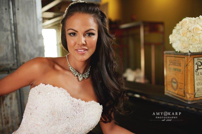 dallas-wedding-photographer-bridal-portraits-gas-monkey-bar-grill-008