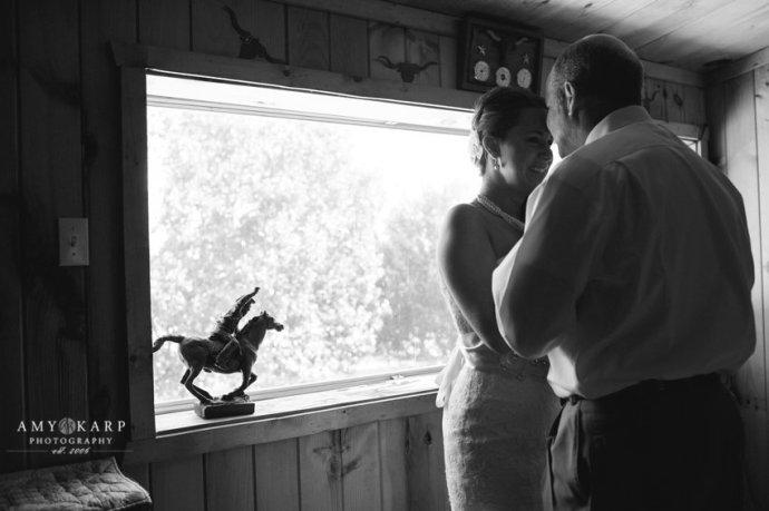 dallas-wedding-photographer-longhorn-ranch-wedding-029