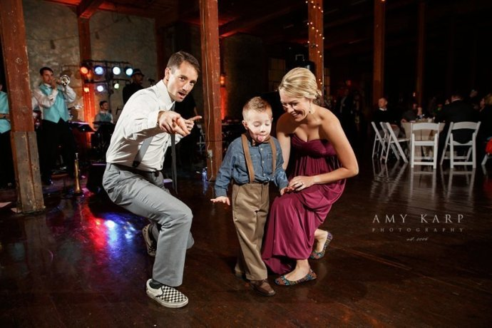 mckinney-cotton-mill-wedding-by-dallas-wedding-photographer-amykarp-ashley-aaron-47