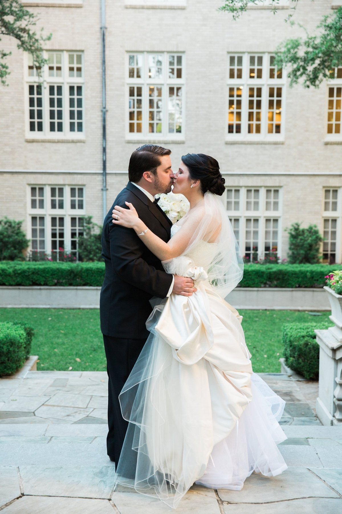 dallas-wedding-dcc-highland-park-hpumc-amanda-jm-18
