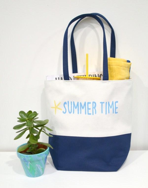 Stenciled Beach Bag Gift Idea