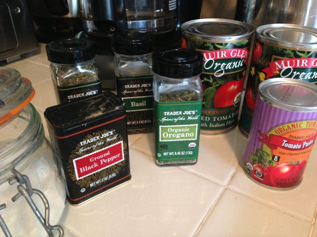 ingredients to make spaghetti sauce