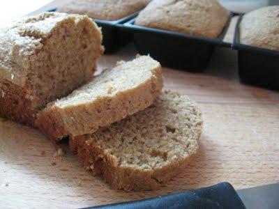 slieced applesauce bread
