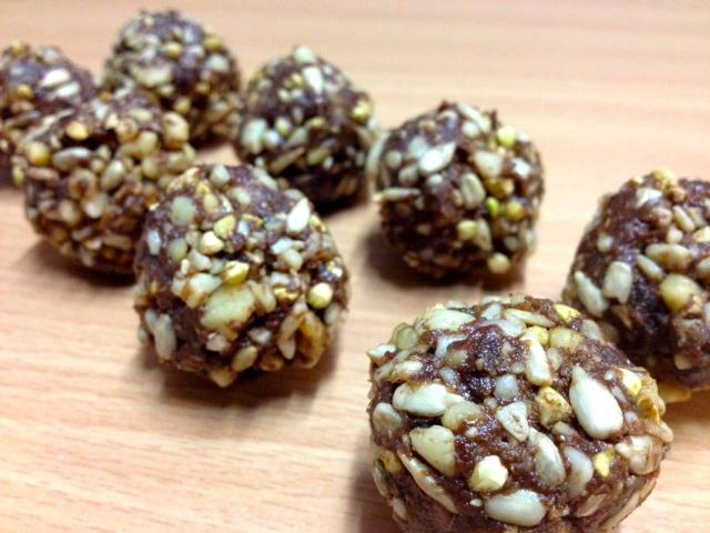 Raw chocolate hedgehog balls