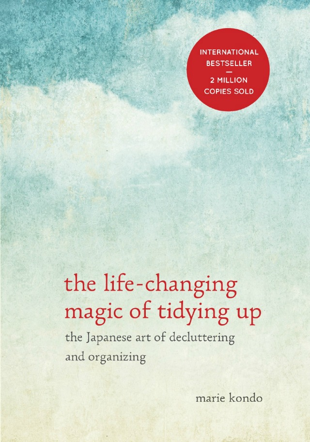 LIFE-CHANGING-TIDYING-UP