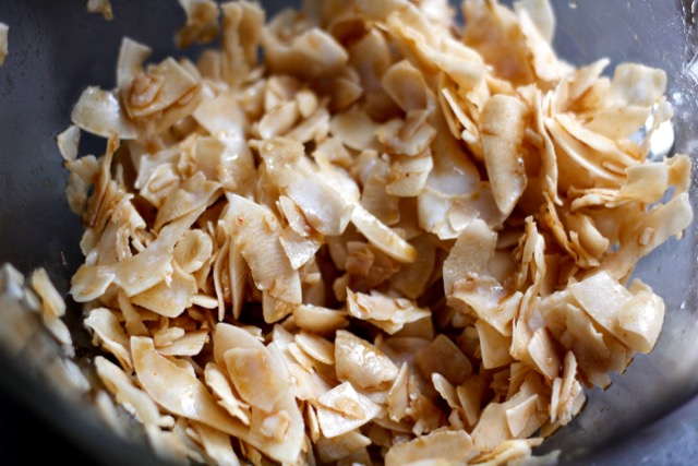 Marinated-Coconut-Flakes
