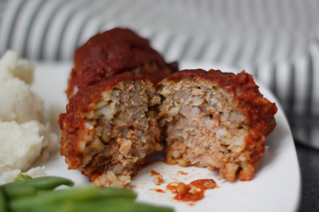 SLOW COOKER RICE MEATBALLS & SAUCE