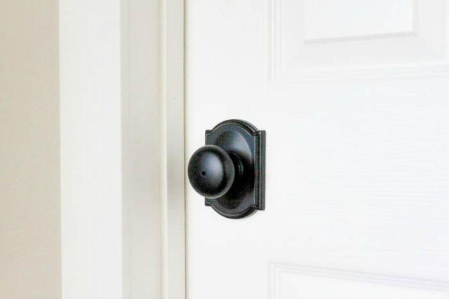 Easy-ways-to-Update-old-Doors-7