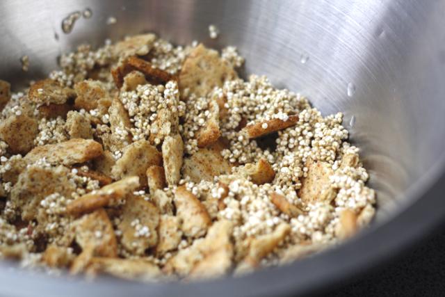 Breton-Cracker-crumbles