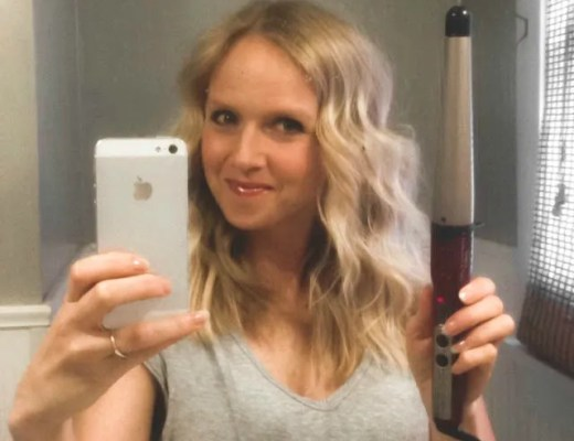 How To Get Beachy Waves With A Curling Wand