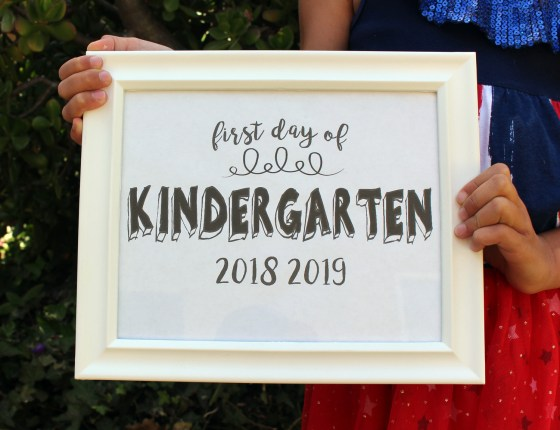 Free printable first day of school signs to help with Fall time organization