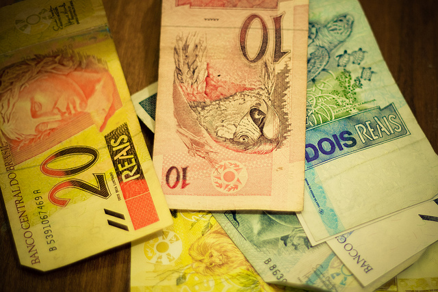 Please take my money – How it can be difficult to pay your bill in Brazil