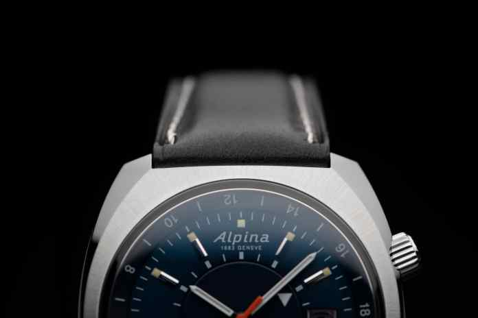 Alpina Startimer Pilot Hertiage นักบิน GMT ทรงย้อนยุค