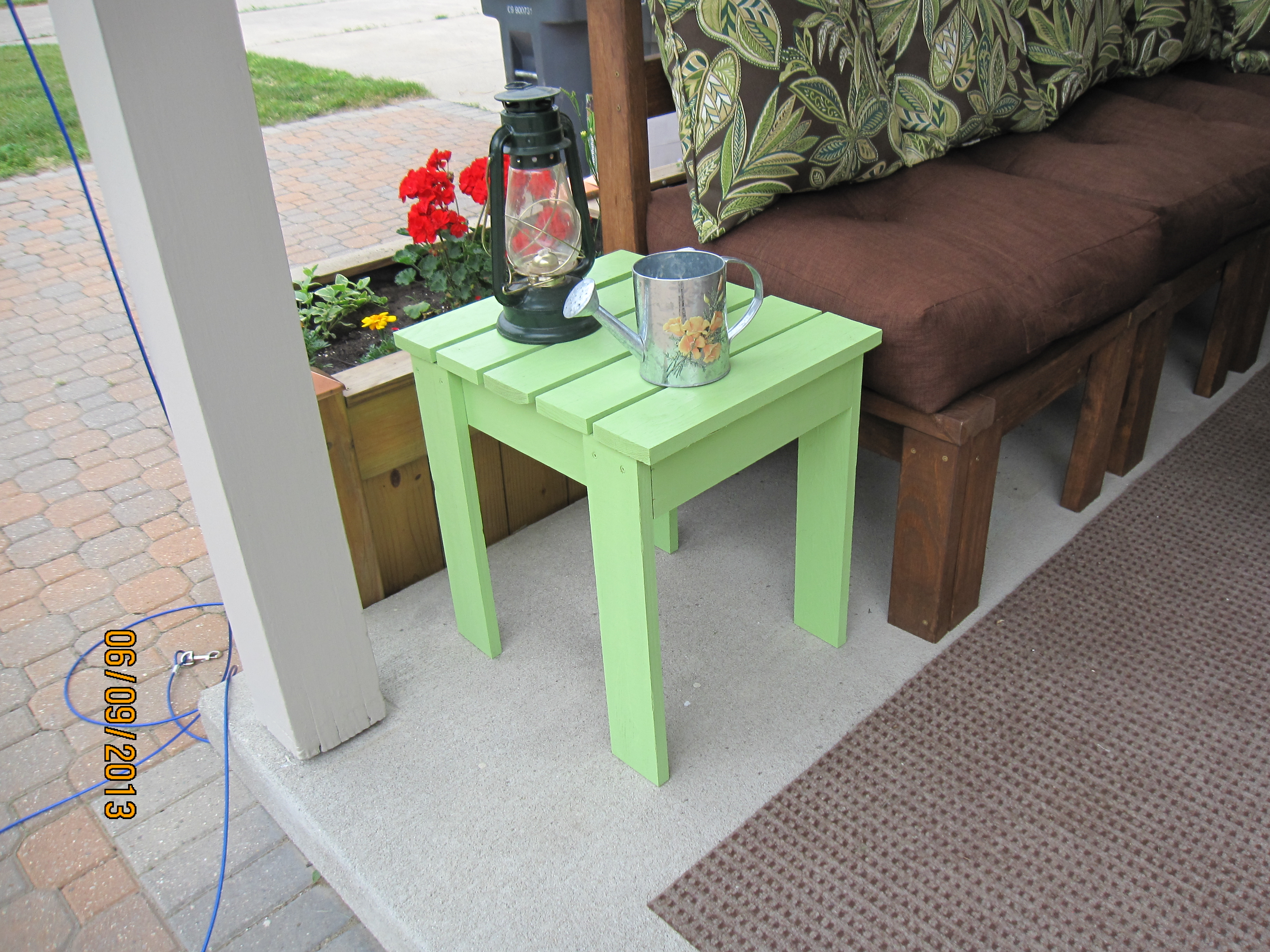 outdoor end table ana white