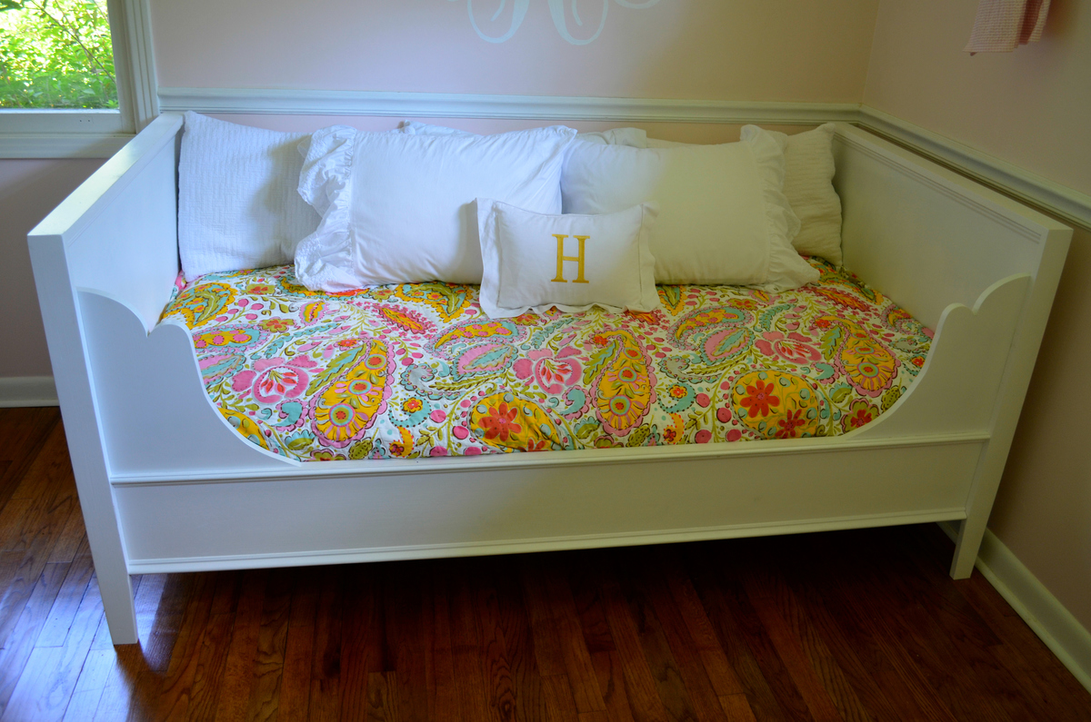 Ana White Lydia Daybed DIY Projects