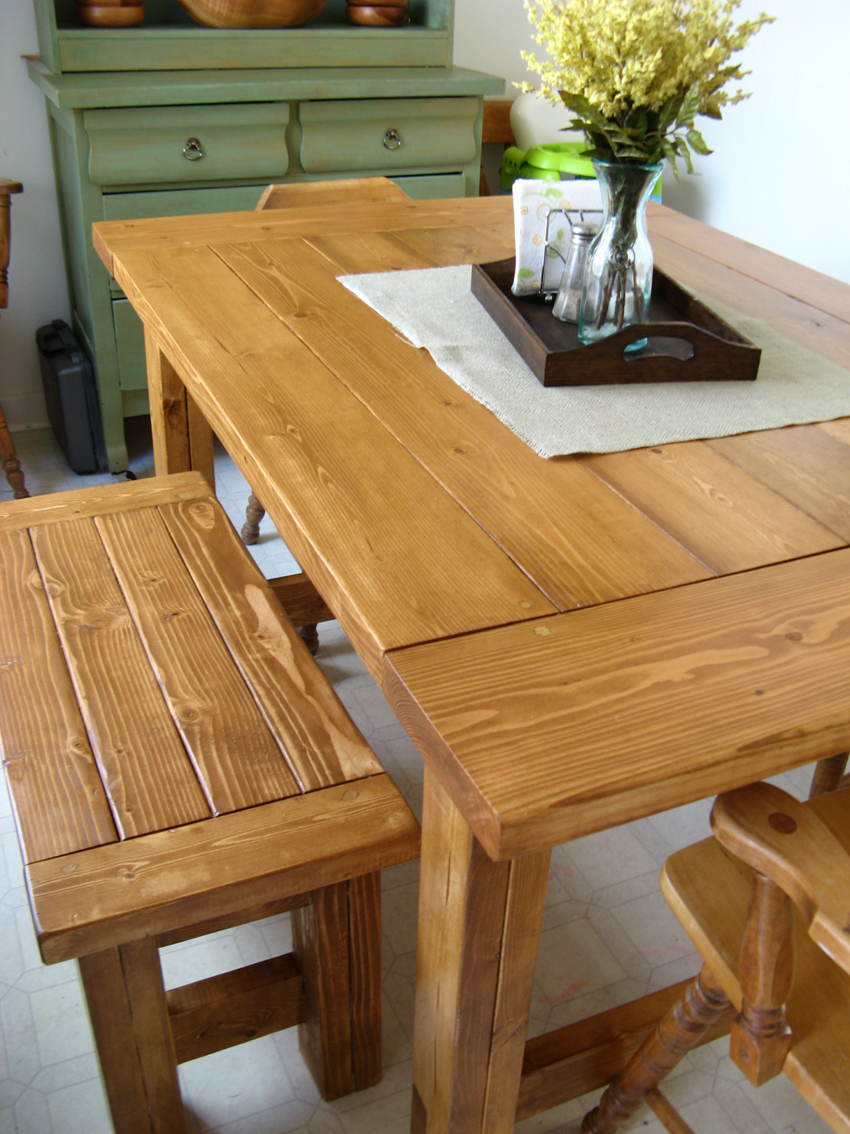 Ana White Farmhouse Table Amp Bench Diy Projects