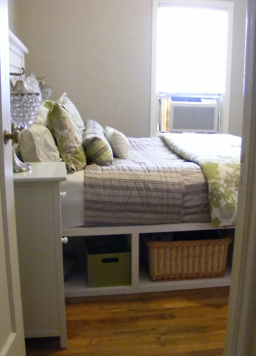Jacqueline Hopper FARMHOUSE STORAGE BED WITH HINGED FOOTBOARD