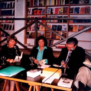 Impreuna cu poeta italiana Biancamaria Frabotta si prof. Bruno Mazzoni(dreapta), traducatori in limba italiana la lansarea volumului Un tempo gli alberi avevano gli occhi.