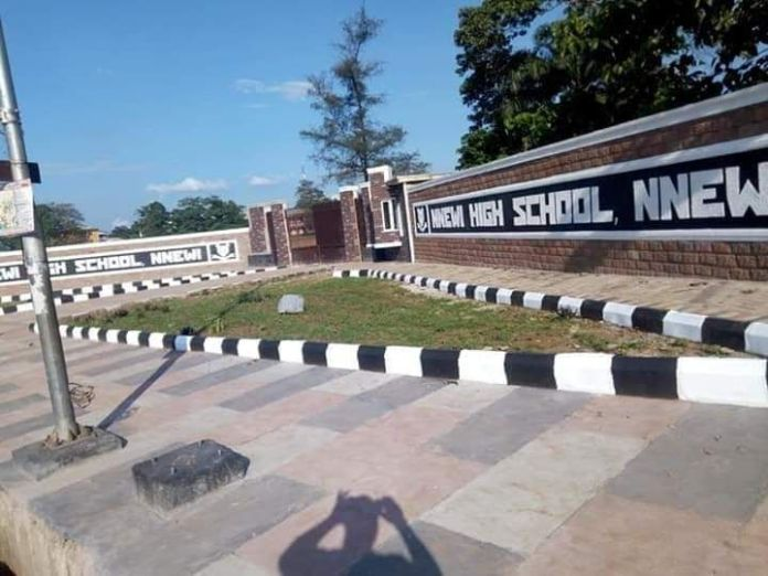 nnewi high school high school crown prince prince barr obianefo orizu