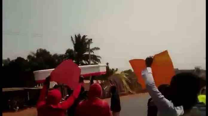 Enugu LG Polls: Police Arrest Anti-Omeje Protesters, Seize Mock-Coffin