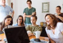 Pekerjaan Sampingan Mahasiswa Paling Menguntungkan