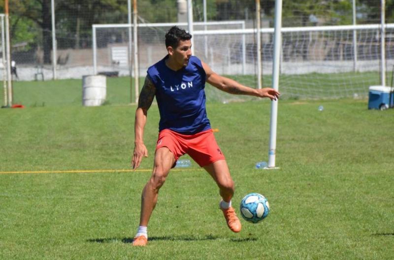 Patronato: Oliver Benítez jugó para los titulares | Análisis