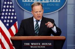 El secretario de prensa de la Casa Blanca, Sean Spicer, ofrece una rueda de prensa en el Brady Press Briefing Room de la Casa Blanca, en Washington, Estados Unidos/ Foto: EFE