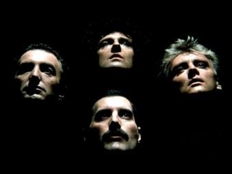 """Él y su agrupación Queen cambiaron el mundo de la música con canciones como """"Bohemian Rhapsody"""", """"Another One Bites the Dust"""" y """"Don't Stop Me Now""""."""