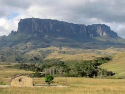 """""""Siempre me gustó viajar, en un mapa viejo que tenía visualizaba mis viajes, siempre quise ir al Monte Roraima en Venezuela"""""""