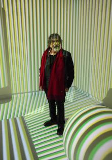 VCarlos Cruz-Diez: Mastering Colour