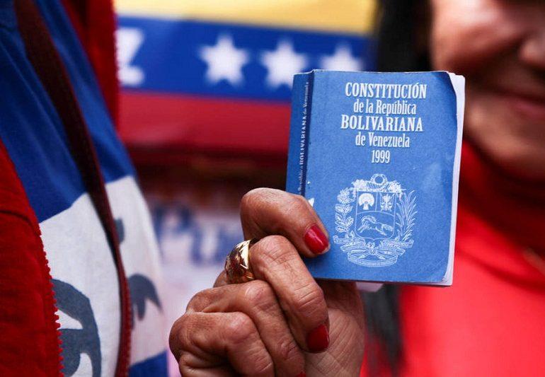 ¿Voto universal, directo y secreto?