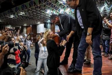 """Capriles llama a formar un """"frente común"""" en defensa de la Constitución"""