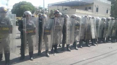 La sede del CNE en Ciudad Bolívar se mantuvo militarizada