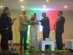 El bautizo del libro estuvo a cargo de Garcilaso Pumar, fundador de la librería Lugar Común, y la periodista Caterina Valentino/ Foto: Albermary Aponte