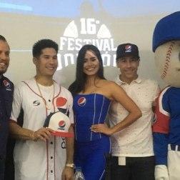 Chyno Miranda, Mauricio Ayestaran y Carlos Martínez