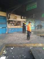 Apagado incendio en local del terminal Big Low Center de Carabobo 1