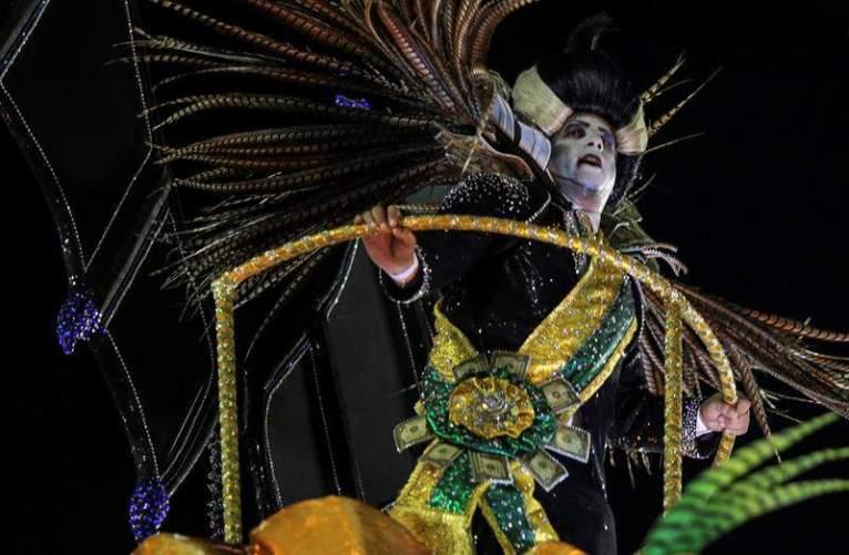 Escuelas de samba celebran el carnaval de Río de Janeiro