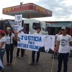 El pueblo de Arapuey, al norte del estado Mérida, exigieron justicia por sus familiares muertos y heridos en manifestaciones por comida 2