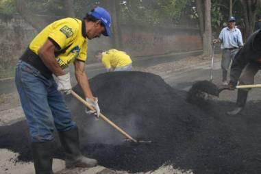 PLAN DE BACHEO EL HATILLO 03