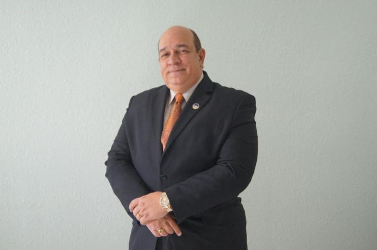 """Vojmir Vladilo, especialista financiero conocido como """"El profesor del crédito"""""""