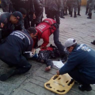 Funcionarios de la PNB heridos