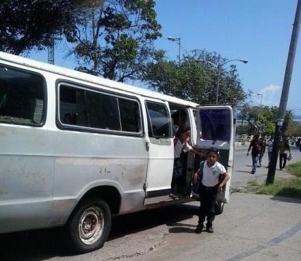 transporte escolar Vargas1