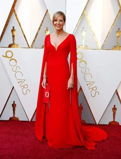 Allison Janney en la alfombra roja de los premios Óscar