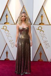 Jennifer Lawrence en su paso por la alfombra roja de los Premios Óscar